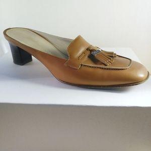 Salvatore Ferragamo Light brown low heel